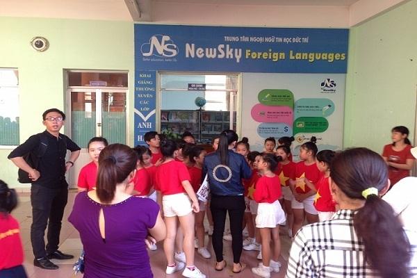 Lớp học tại trung tâm ngoại ngữ NEWSKY