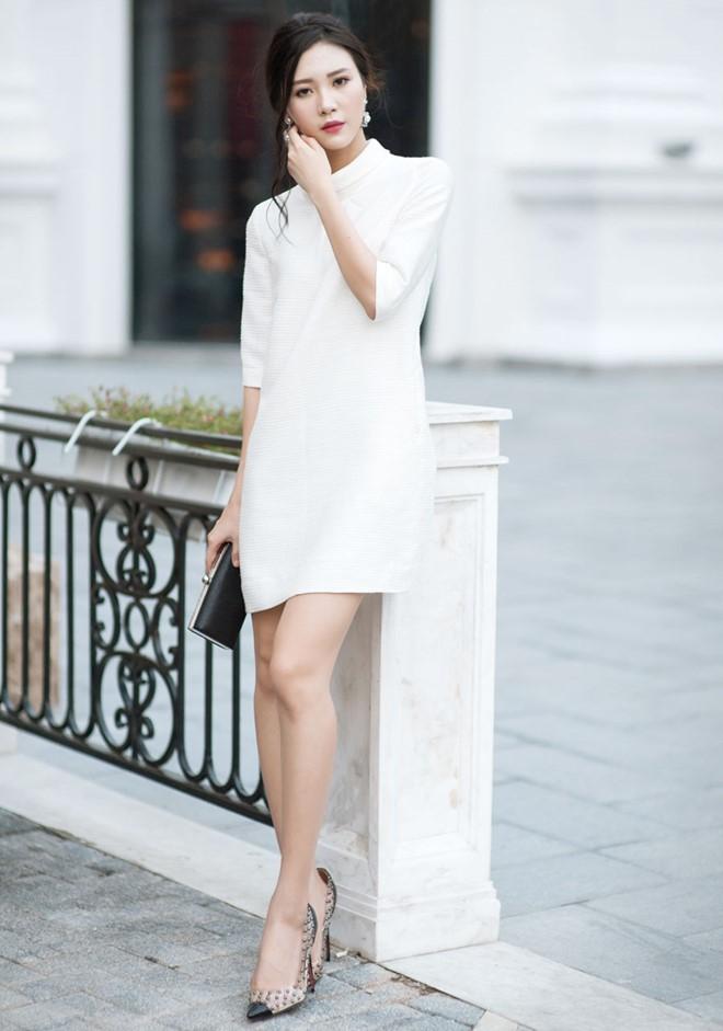 Chỉ chọn váy màu trắng khi đó là màu sắc chủ đạo của Dress code