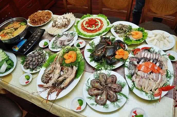 Ở Nhà hàng Gành Hào còn có hàng trăm món hải sản tươi sống khác được chế biến phong phú và đa dạng