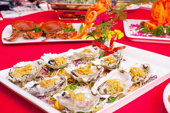 Món ăn tại nhà hàng Hải Cảng được trang trí vô cùng hấp dẫn