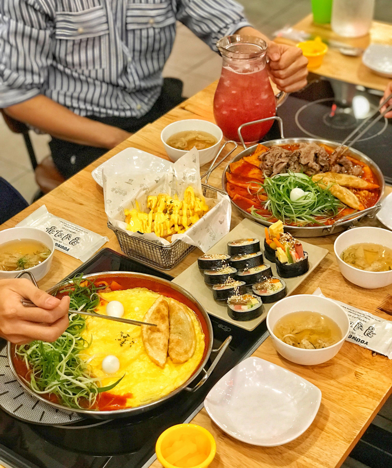 Nhà hàng lẩu tokbokki Young Dabang