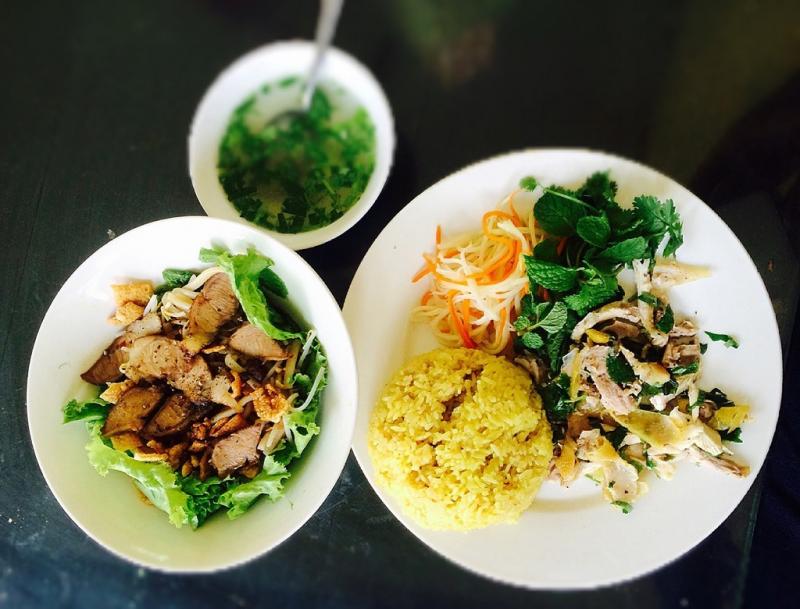 Cơm Gà Nhung là điểm đến số 1 của khách tới Quảng Ngãi