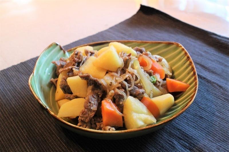 Nikujaga - Mòn bò hầm khoai tây Nhật Bản