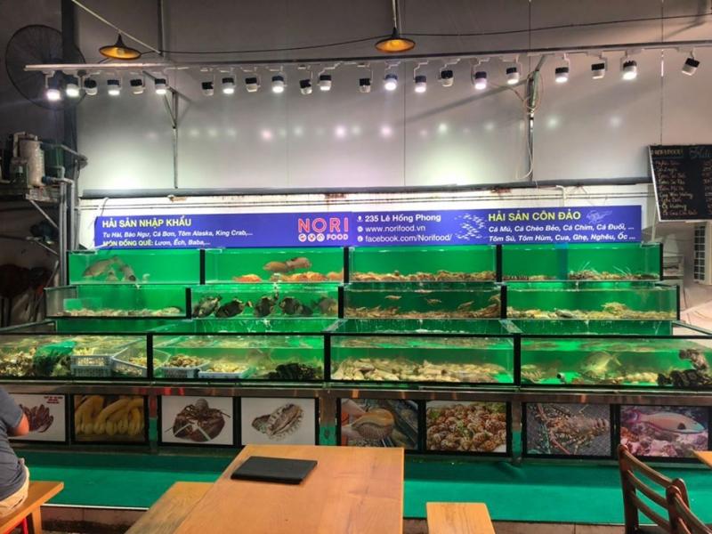 Hải sản Côn Đảo có mặt tại Nori Food tại Vũng Tàu đầy đủ các mặt hàng tươi sống như Cá Mú Xà Téng (hàng hiếm độc quyền), Cá Đuối Sao, Cá Chèo Bẻo Bông, Cá Bò Giáp...
