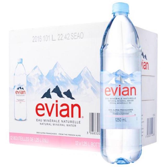 Nước khoáng Evian