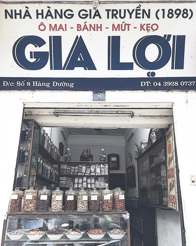 Cửa hàng ô mai Gia Lợi