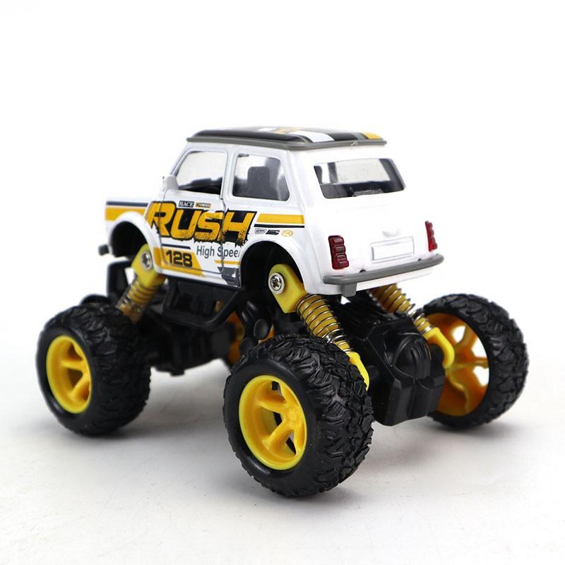 Xe đồ chơi ô tô địa hỉnh -  món đồ chơi yêu thích của nhiều bé trai 2 tuổi