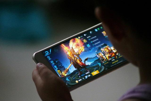 """Sợ trẻ vị thành niên """"chơi game hư người"""", Trung Quốc cấm chơi game ngày thường, cuối tuần chỉ """"thả"""" 1 tiếng"""