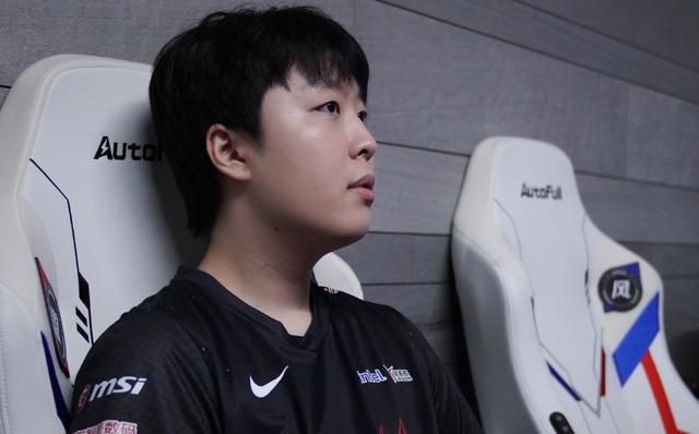 Kanavi tiết lộ muốn trở lại LCK sau một mùa giải bết bát, truyền thông Hàn Quốc rộ tin đồn anh sẽ gia nhập T1
