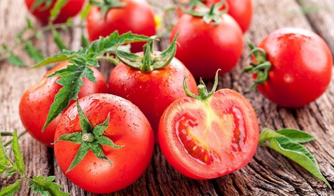 Quả cà chua giúp ngăn ngừa tia cực tím và chống ăn mòn da