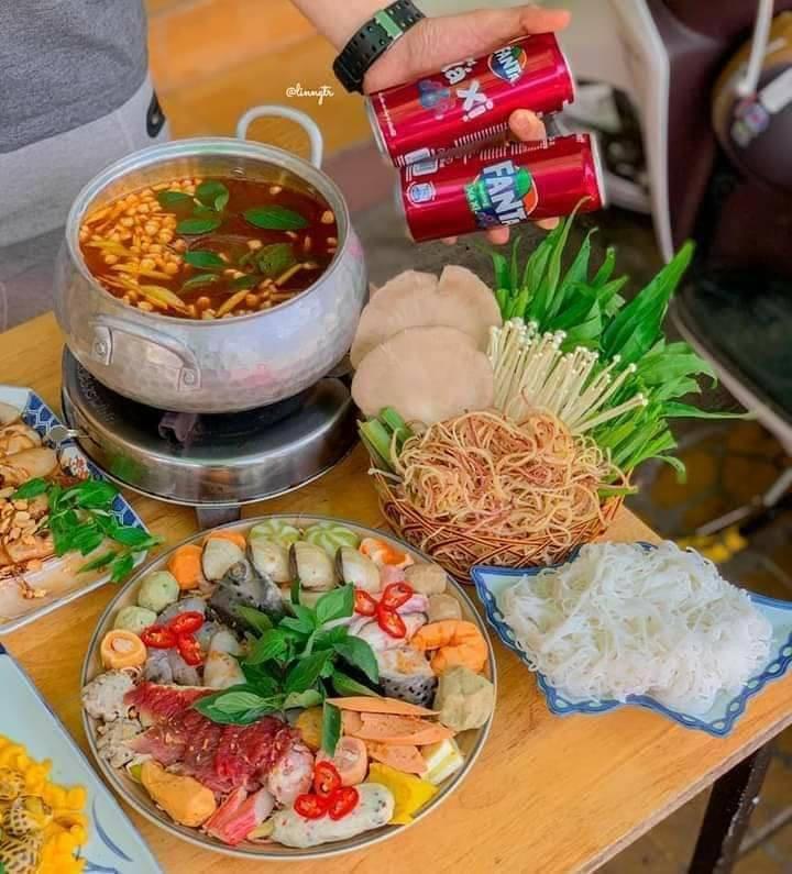 Món lẩu thơm ngon, bắt mắt tại Quán Choén