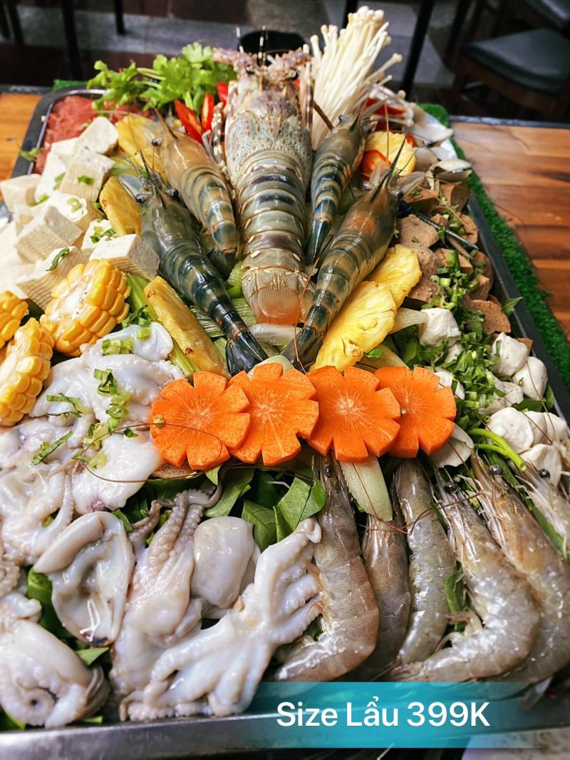 Thực đơn của Lẩu Khổng Lồ Bao No vô cùng phong phú từ món khai vị, món nộm đến những món nướng và các loại lẩu