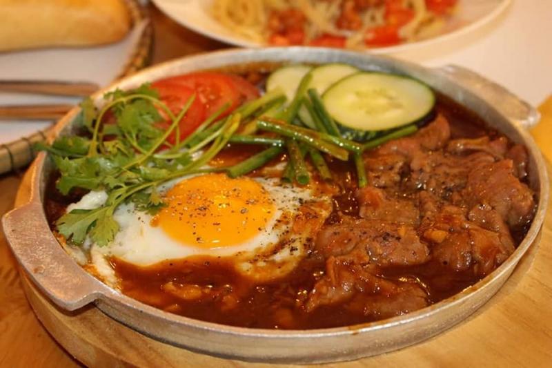 Top 6 Quán bánh Mỳ Ốp La ngon nhất ở Huế
