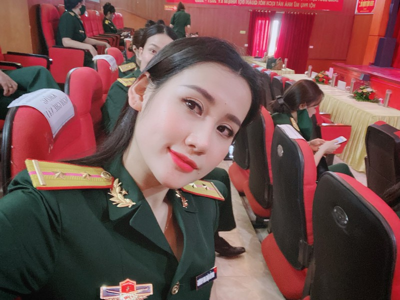 Hot girl Phương Anh thích mặc quyến rũ nhưng không phản cảm