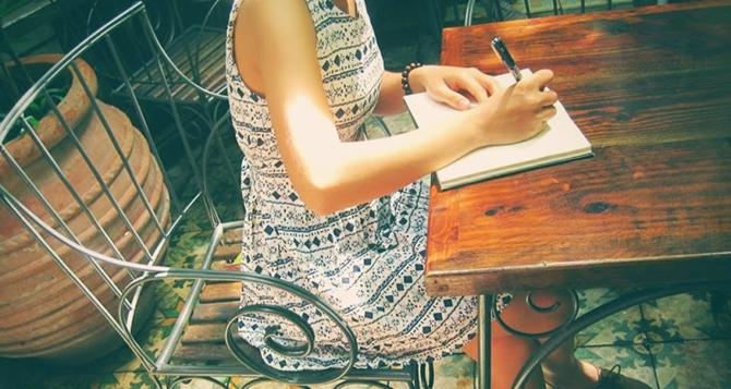 Duy trì kĩ năng làm bài Văn trong khi ôn tập mỗi ngày - Nguồn: Internet
