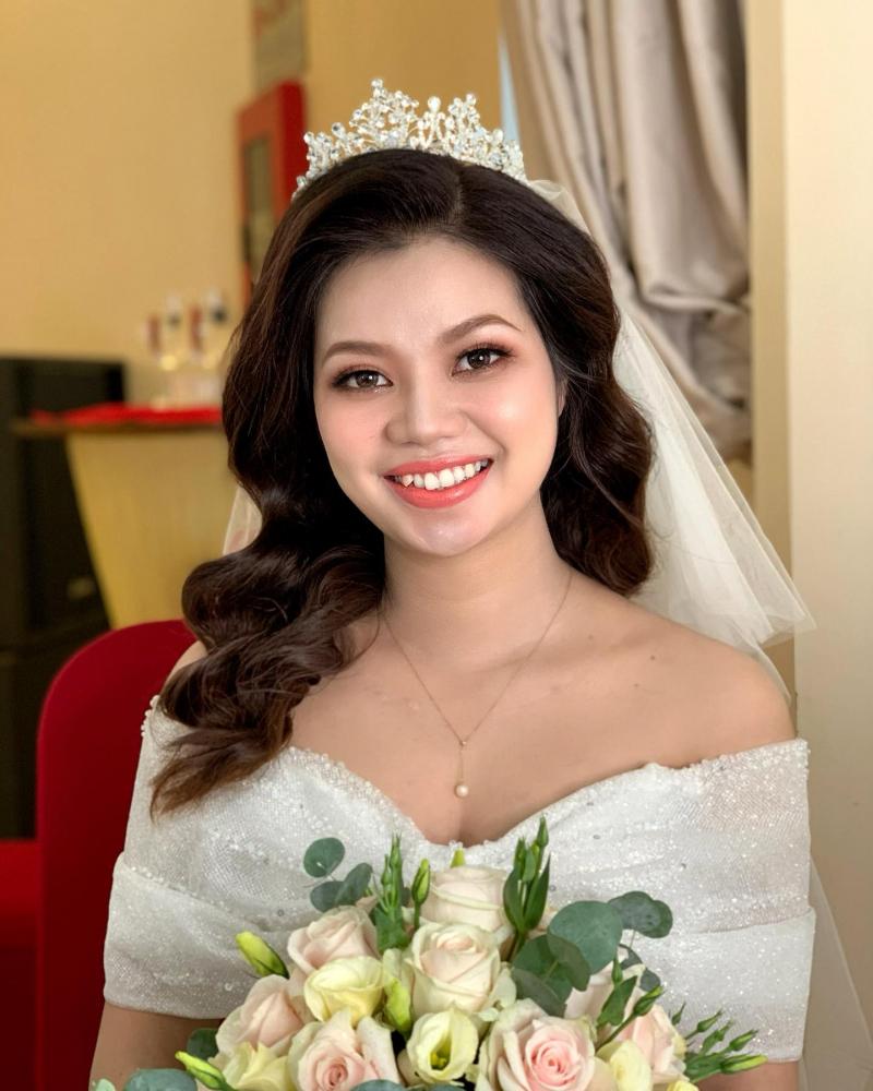Rita Vu Make Up sẽ giúp bạn rạng rỡ nhất trong ngày cưới