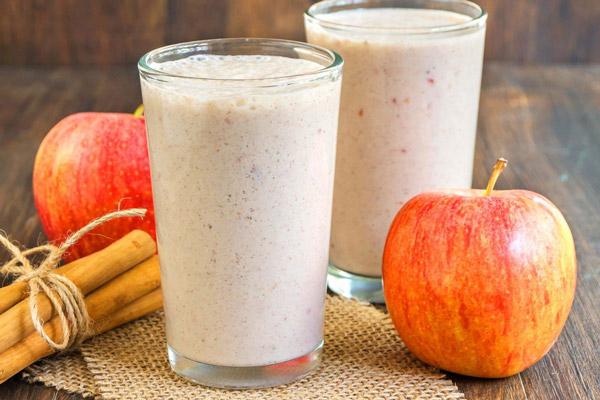 Sinh tố táo với sữa chua