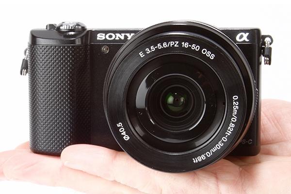 Sony Alpha A5000 + 16-50mm