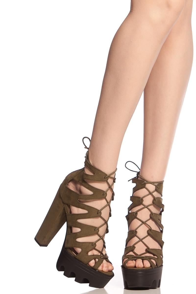 Giày cao gót đan dây
