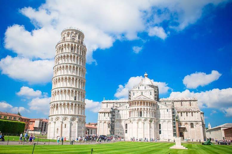 Tháp nghiêng Pisa- Ý