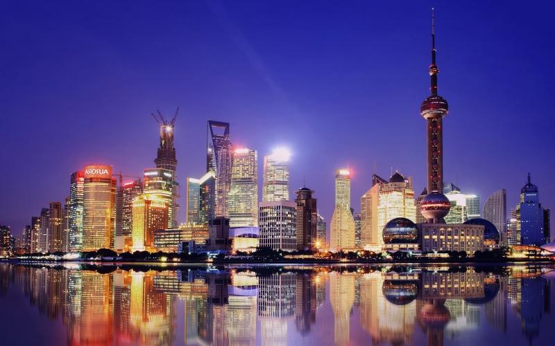 Tháp Truyền Hình Minh Châu Phương Đông bên dòng sông Hoàng Phố Thượng Hải