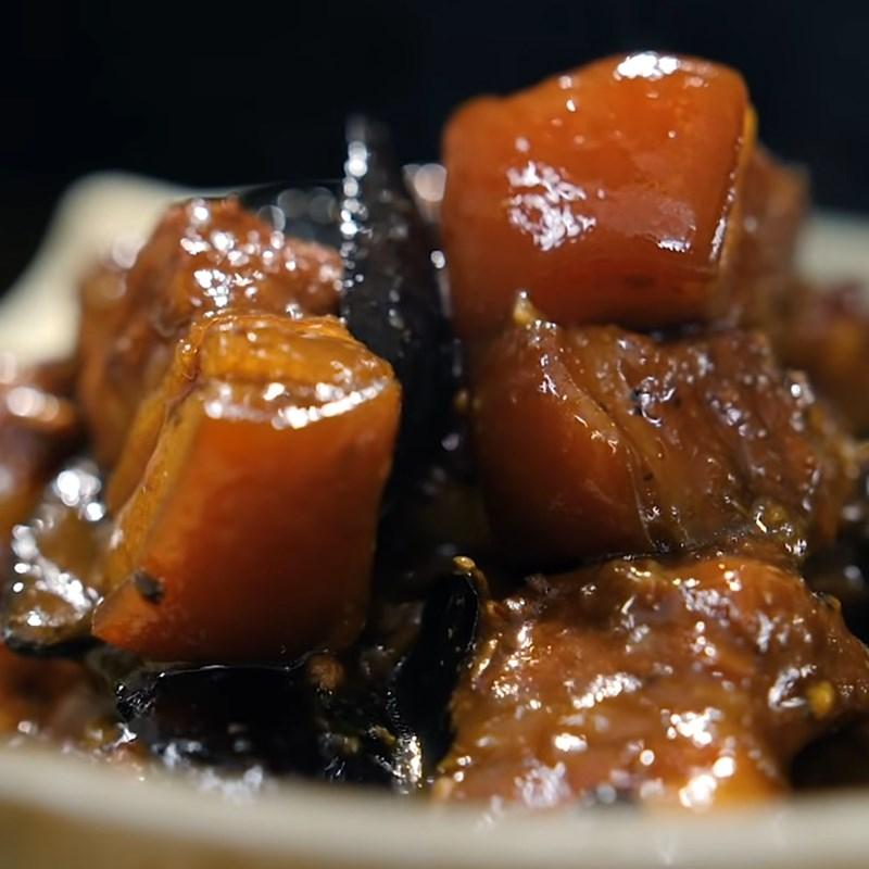 Thịt kho trám đen