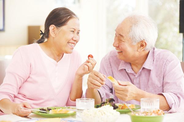 Thực phẩm chức năng Viên nang Fucoidan JP giúp người già khỏe mạnh