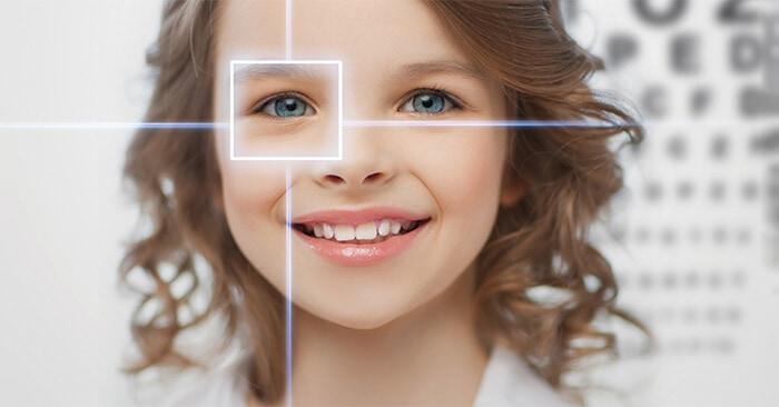 Viên uống bổ mắt Eye Clear giúp bạn có một đôi mắt khỏe mạnh, phòng tránh suy giảm thị lực