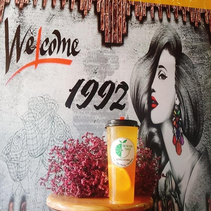 Góc sống ảo tại Tiệm Trà chanh 1992