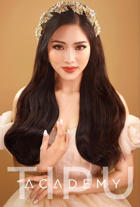 Tipu Make Up luôn nắm bắt kịp thời mọi xu hướng và phong cách trang điểm cô dâu tự nhiên trong suốt để thật rạng rỡ trong ngày cưới cũng là một trong những thế mạnh nổi trội nhất