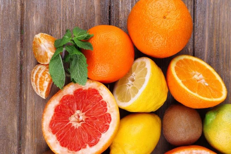 Trẻ ăn cam quýt sớm dễ bị rối loạn tiêu hóa
