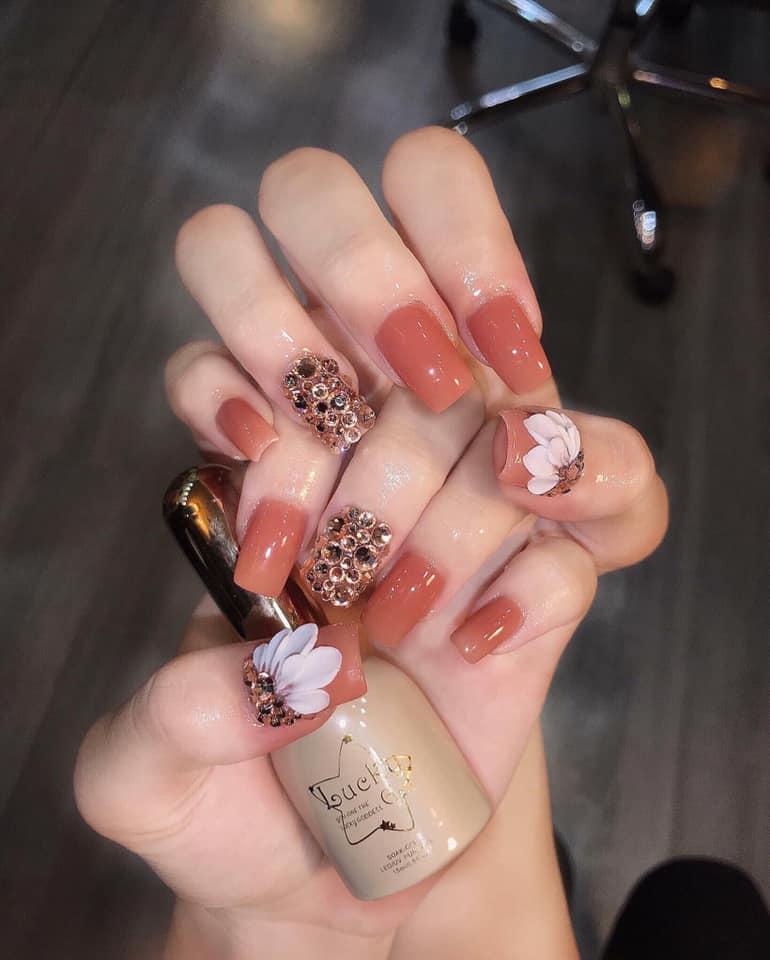 Nơi đây có đa dạng các mẫu nail từ đơn giản đến cầu kì