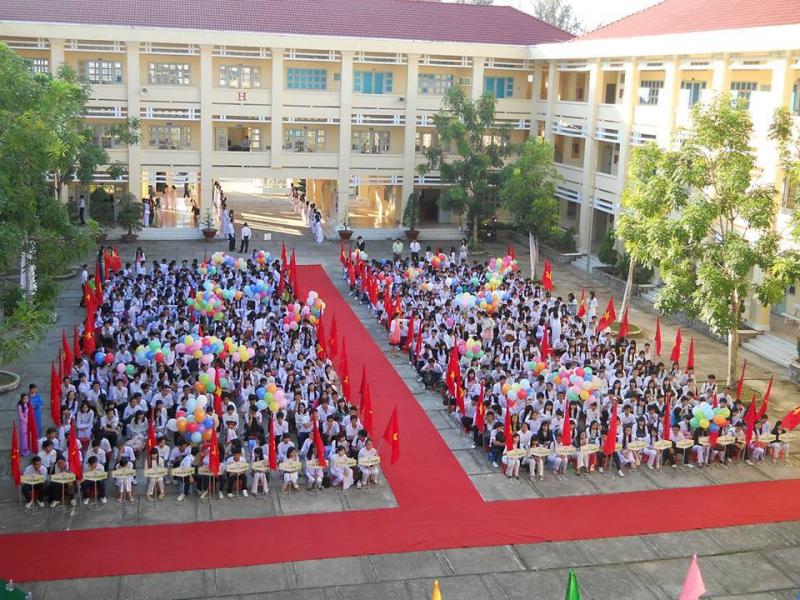 Trường THPT chuyên Nguyễn Thị Minh Khai
