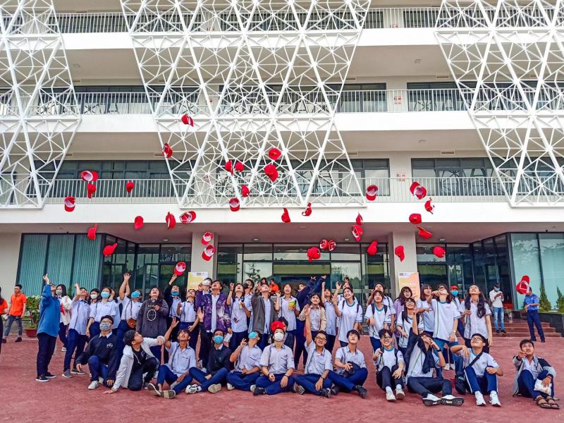 Trường THPT Hoàng Diệu
