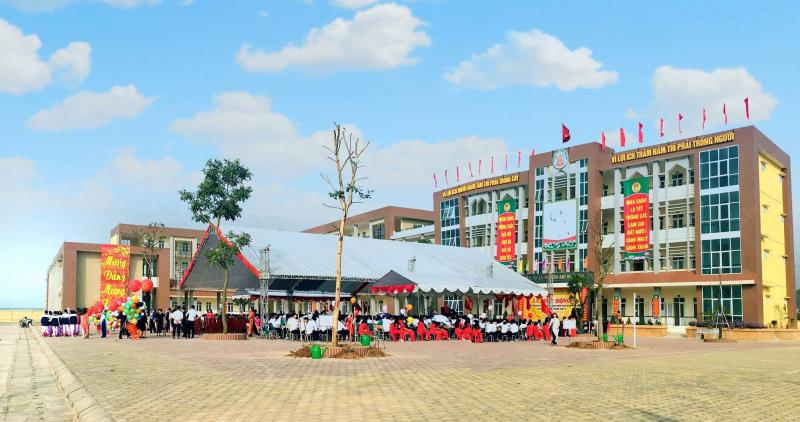 Trường THPT Phan Huy chú Quốc Oai