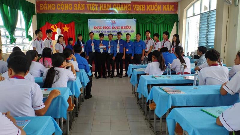 Trường THPT Trần Văn Bảy