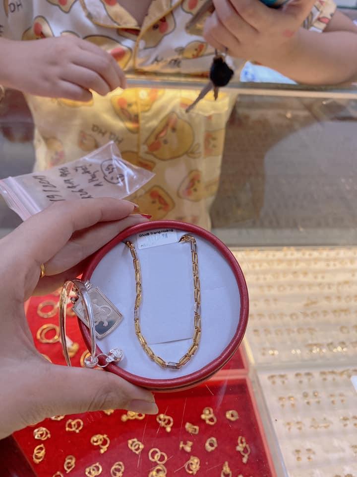 Vàng Bạc Đá Quý Trang Hoàng