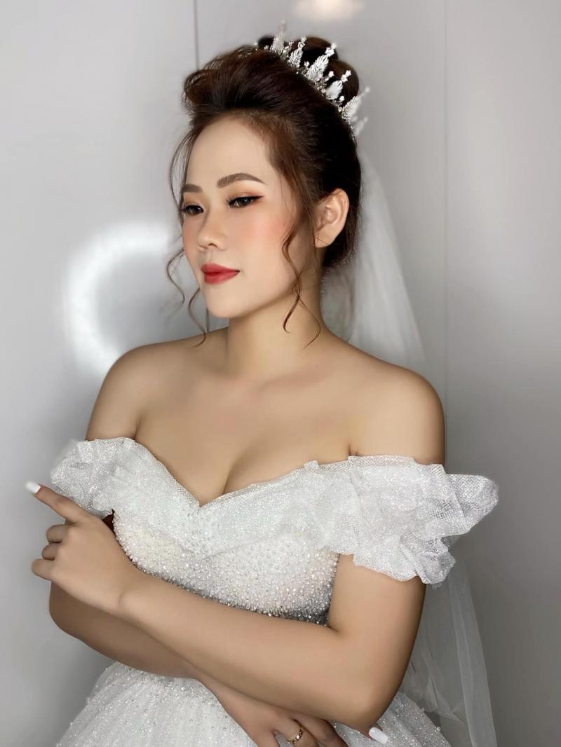 Top 4 Cửa hàng trang điểm cô dâu đẹp nhất An Khê, Gia Lai