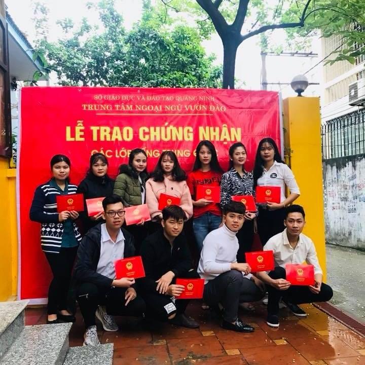 Lễ trao chứng nhận các lớp tiếng Trung tại Vườn Đào ngoại ngữ