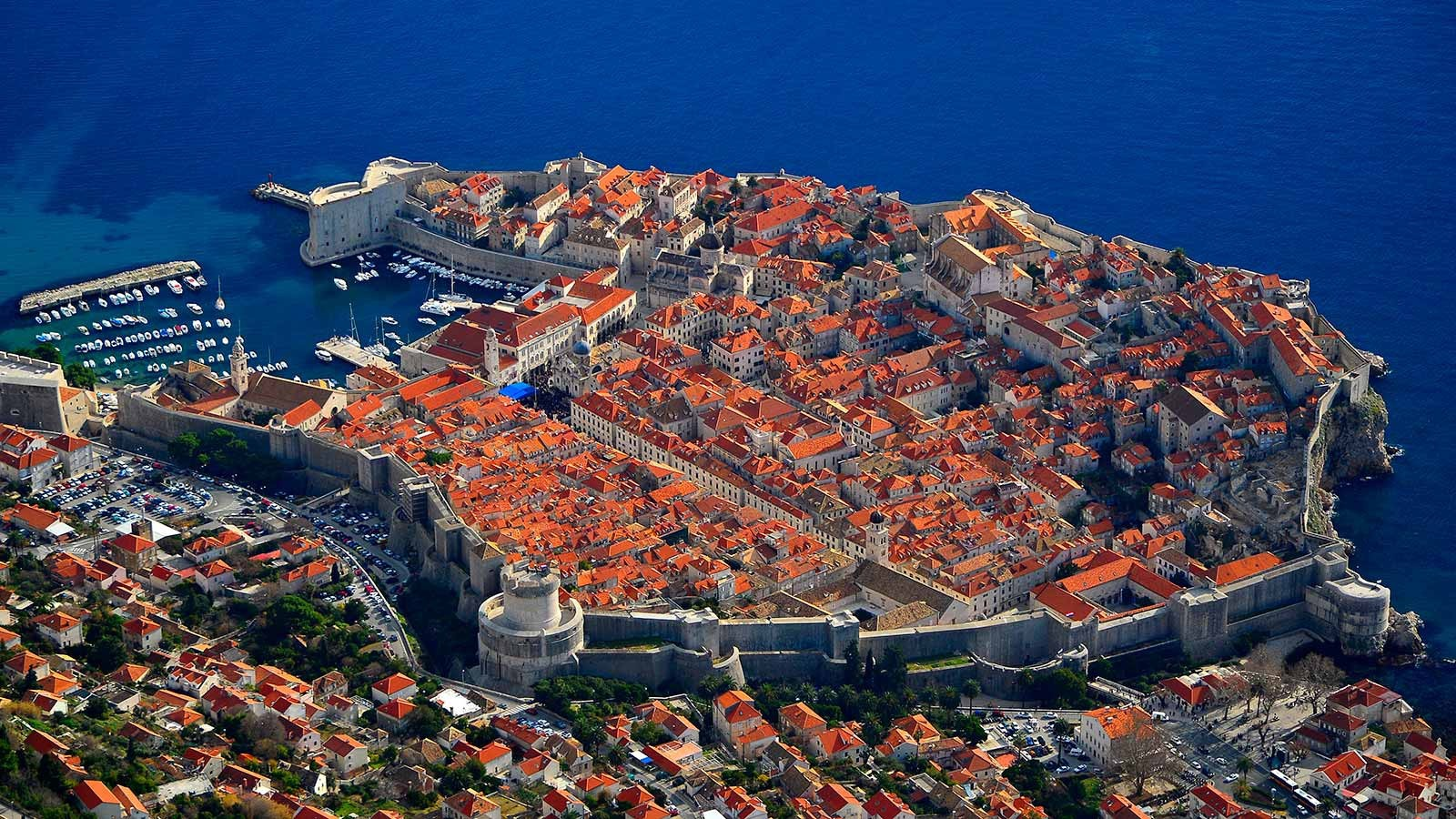 Vẻ đẹp lộng lẫy của 'viên ngọc trên biển Adriatic'