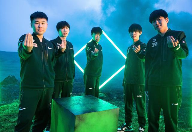 """Truyền thông Hàn """"cà khịa"""" RNG sẽ không bao giờ lên ngôi vô địch CKTG được vì thói quen """"xài hàng quốc nội"""""""
