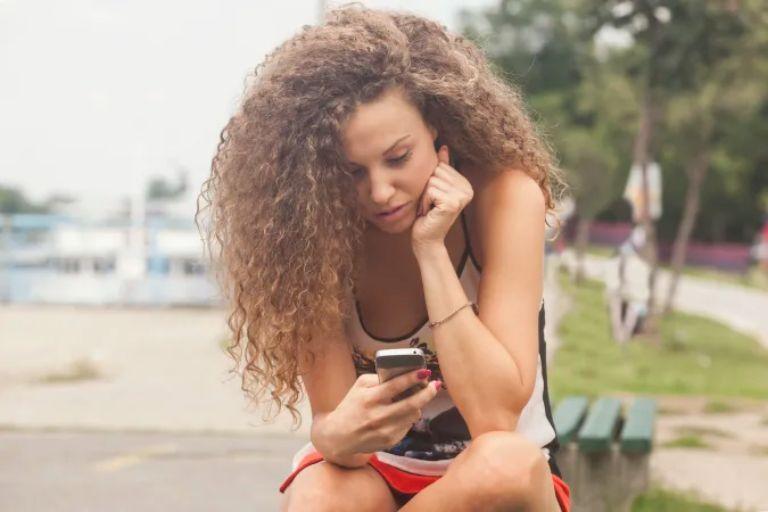 Facebook khuyến khích thanh thiếu niên 'bớt dùng mạng xã hội'