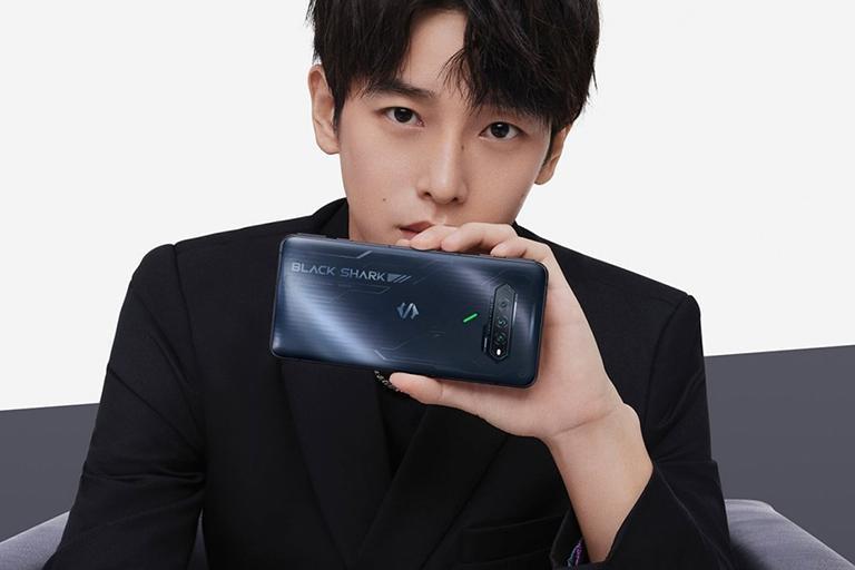 Xiaomi ra mắt bộ đôi smartphone khủng cho game thủ