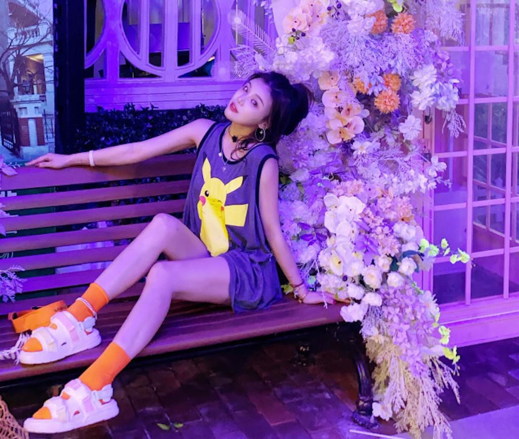 Hot girl Trung Quốc uống thuốc trừ sâu tự tử ngay trên sóng livestream