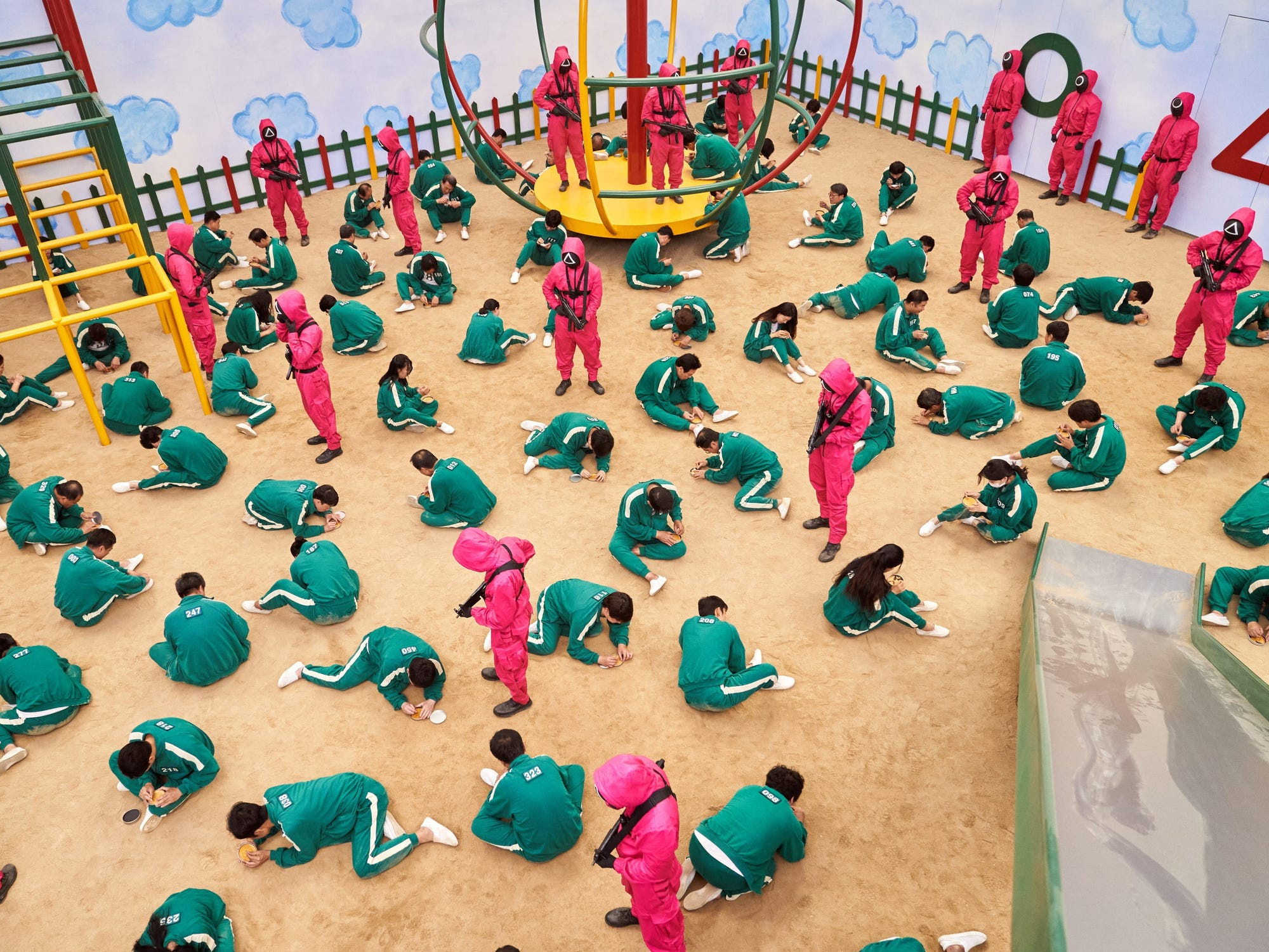 Người trẻ Hàn Quốc: 'Cuộc sống của tôi chẳng khác gì phim Squid Game'