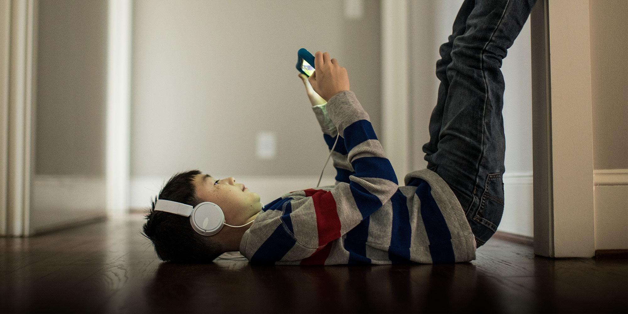 Trẻ em Trung Quốc khó bỏ game online