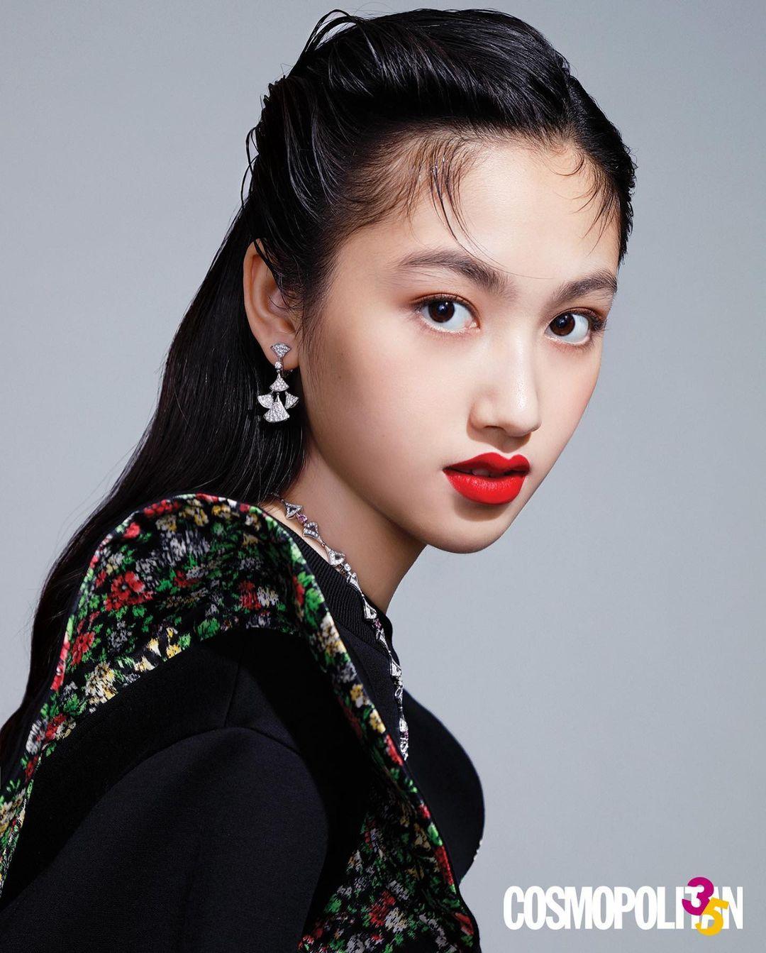 Con gái Nhậm Đạt Hoa đang tuổi dậy thì đã cao tới 1m80 được săn đón làm người mẫu