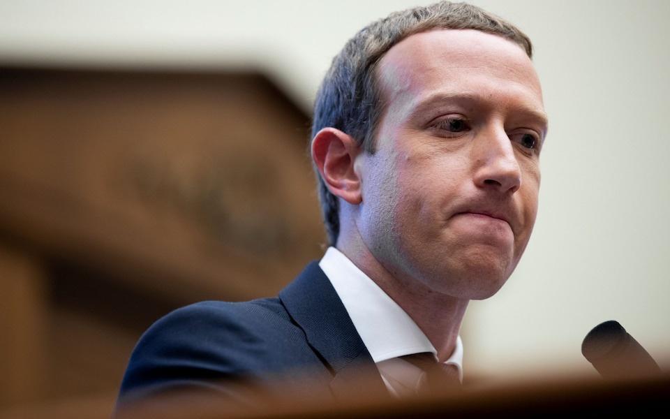 Mark Zuckerberg mất 6 tỷ USD sau vài giờ Facebook gặp sự cố toàn cầu