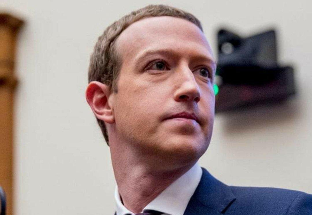 Quyền lực khổng lồ của Mark Zuckerberg đẩy Facebook vào ngõ cụt