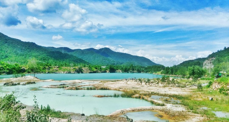Hồ Đá Xanh là địa điểm chụp ảnh tuyệt đẹp ở Vũng Tàu miễn phí